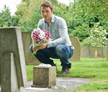 flowers-at-the-graveside
