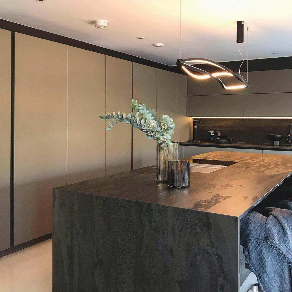 Kitchen island with a Radium Dekton Kitchen Countertop