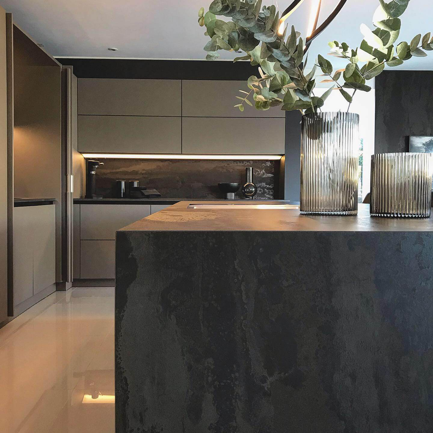 Kitchen island with a Radium Dekton Kitchen Worktop and end of worktop section that goes to the floor