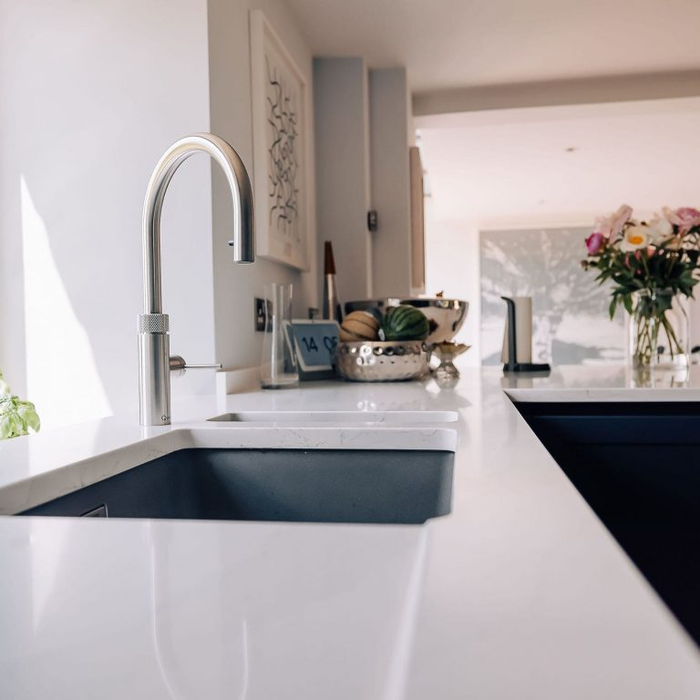 Beautiful white quartz kitchen worktop in calacatta gold quartz