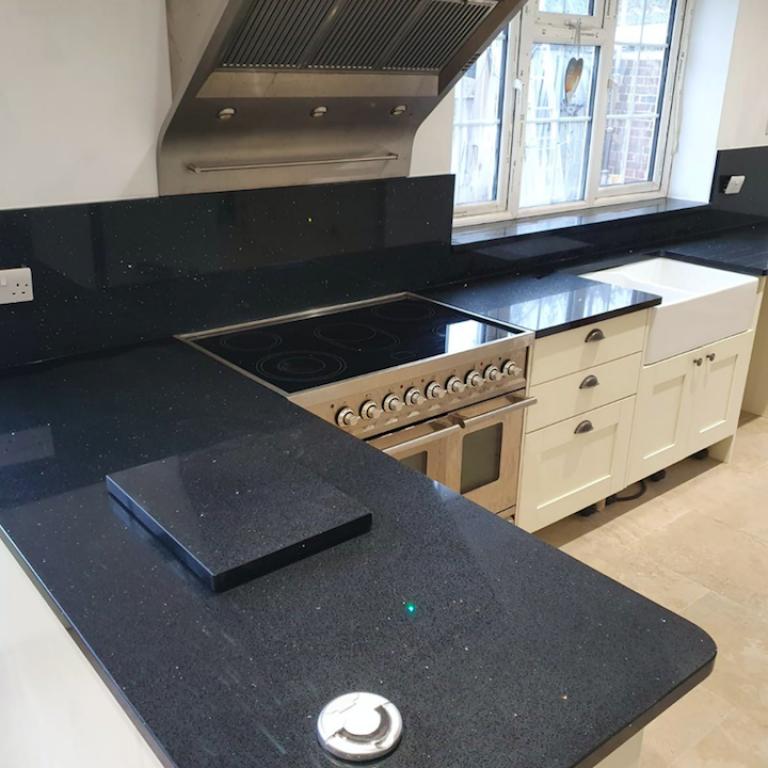 Brillo Noir Classic Grey Quartz Kitchen Worktop