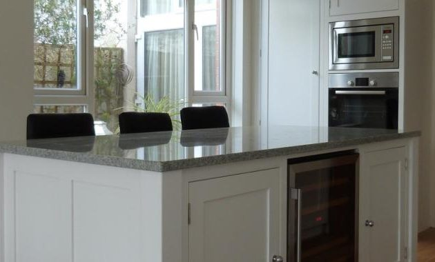 white kicking kitchens 4.0.396.898.487.700.380.c
